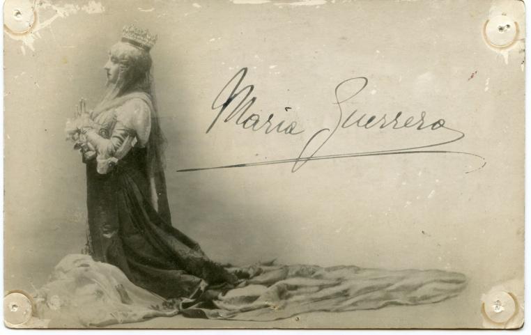 FOTO: María Guerrero en Juana la Loca, año 1908. Ref: FB-0055 Colección de fotografías, Centro de Documentación de las Artes Escénicas, Municipal de Santiago.