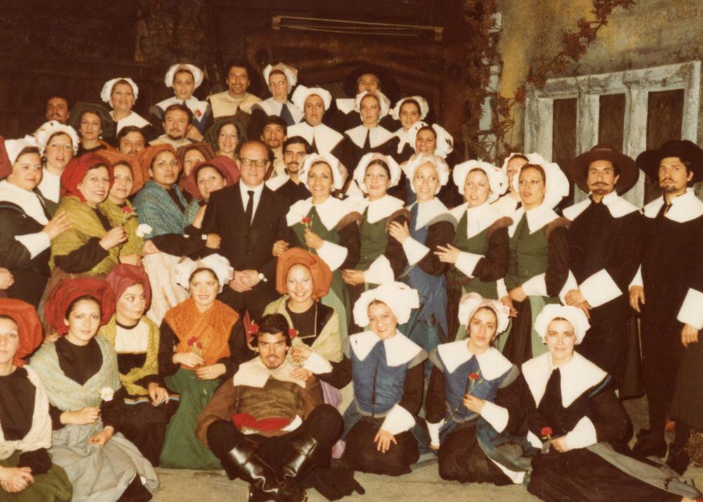 El Coro Lírico en Los puritanos de Bellini, 1980